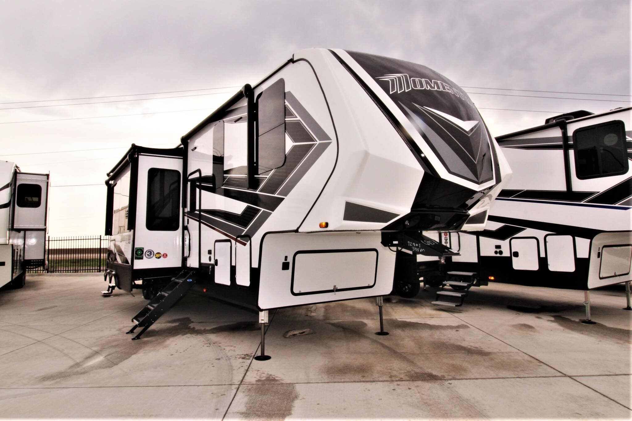 2021 Grand Design RV momentum