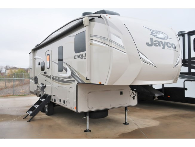 Used 2020 Jayco Eagle JAYCO  25.5RE available in Fort Worth, Texas