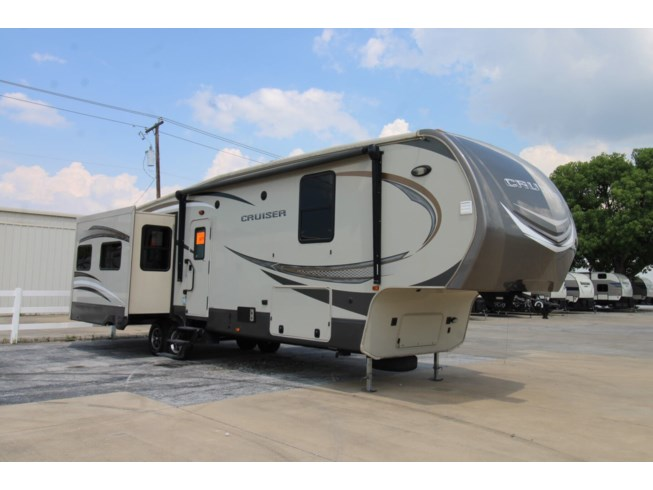 Used 2016 CrossRoads Cruiser 345BH available in Corinth, Texas