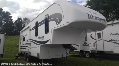 Used 2009 Glendale RV Titanium 2732KB For Sale by Mekkelsen RV Sales & Rentals available in East Montpelier, Vermont