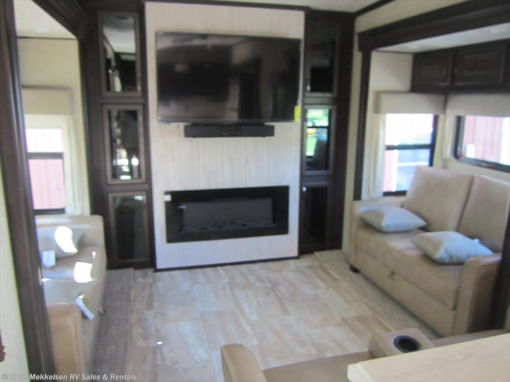 N16023 - 2017 Palomino Columbus 384RD for sale in East Montpelier VT