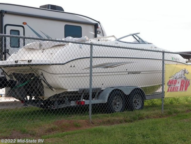 Used 2005 Miscellaneous Stingray 220DR available in Byron, Georgia