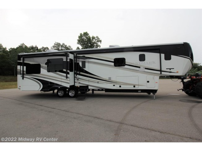Used 2015 Heartland Landmark 365 NEWPORT available in Grand Rapids, Michigan