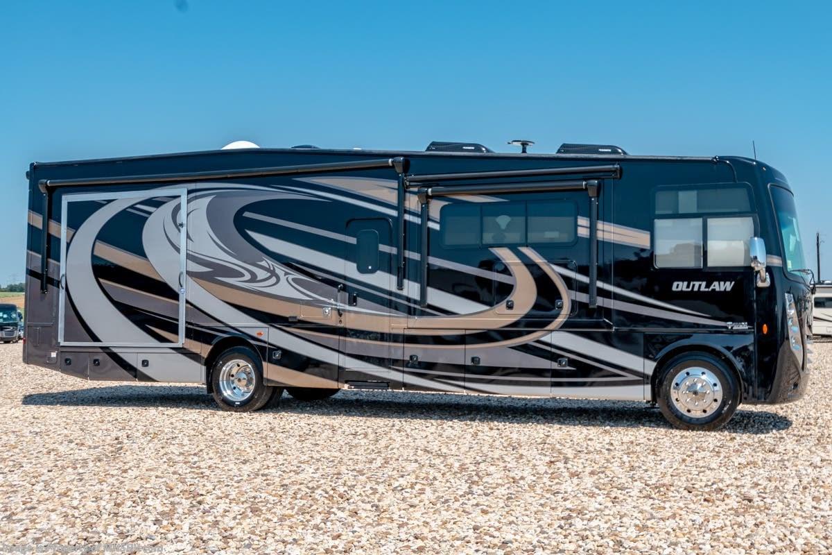 New 2019 Thor Motor Coach Outlaw 37gp Toy Hauler W 2 Patio