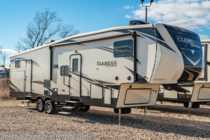 2019 Heartland  ElkRidge Focus ER 327BH Bath & 1/2 RV W/ Bunks & 2 A/Cs