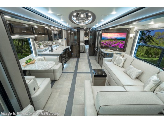 2019 Foretravel Realm FS6 Luxury Villa 1 (LV1) Bath & 1/2 Model - New Diesel Pusher For Sale by Motor Home Specialist in Alvarado, Texas features Bath & 1/2