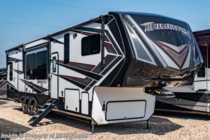 2019 Grand Design Momentum 397TH Bath & 1/2 Bunk Model 5th Wheel W/ Jacks Consignment RV