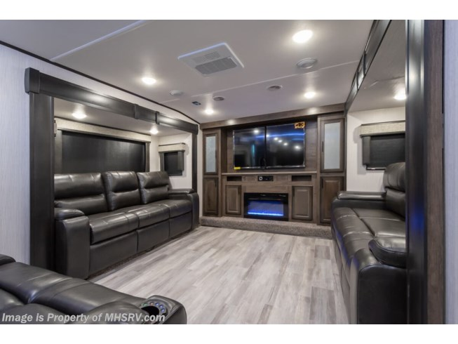 2020 Heartland ElkRidge ER 38 FLIK - New Fifth Wheel For Sale by Motor Home Specialist in Alvarado, Texas features Slideout, Theater Seating