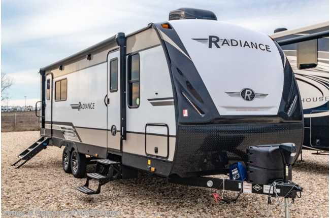 2020 Cruiser RV Radiance Ultra-Lite 25RK Travel Trailer RV W/ King, Stabilizers & Second A/C