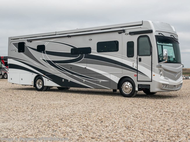 New 2021 Fleetwood Discovery LXE 40M available in Alvarado, Texas