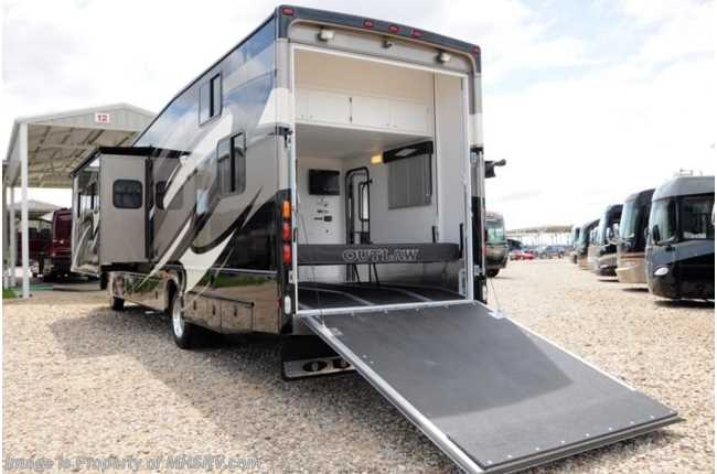 Used 2012 thor motor coach outlaw toy hauler rv for sale w for Slide out motor manufacturers