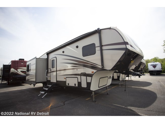 New 2018 CrossRoads Cruiser Aire 30MD available in Belleville, Michigan