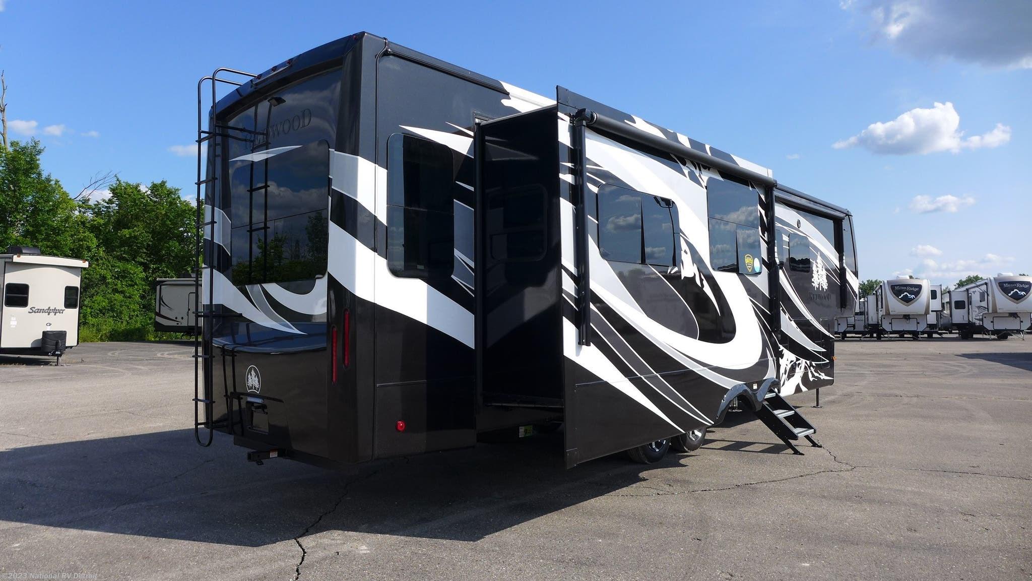 2020 Redwood RV RV 3901WB for Sale in Belleville, MI 48111 | 07209