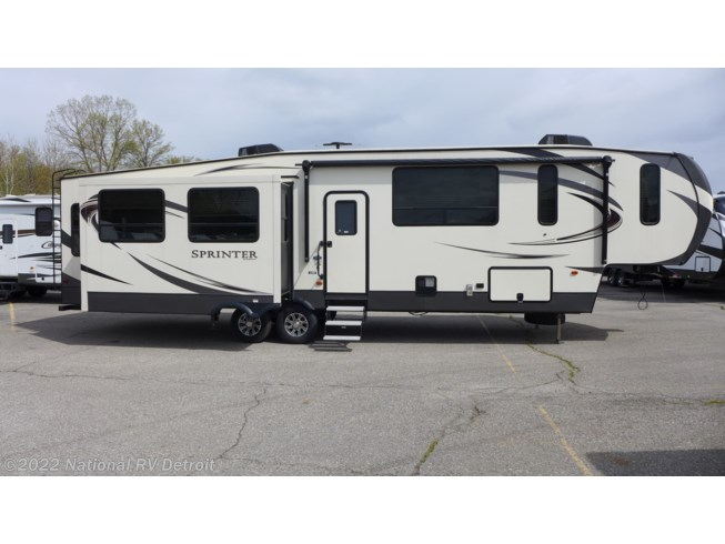 2017 Keystone Sprinter 357FWLFT - Used Fifth Wheel For Sale by National RV Detroit in Belleville, Michigan