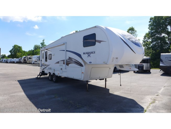 Used 2011 Heartland Sundance 275 available in Belleville, Michigan