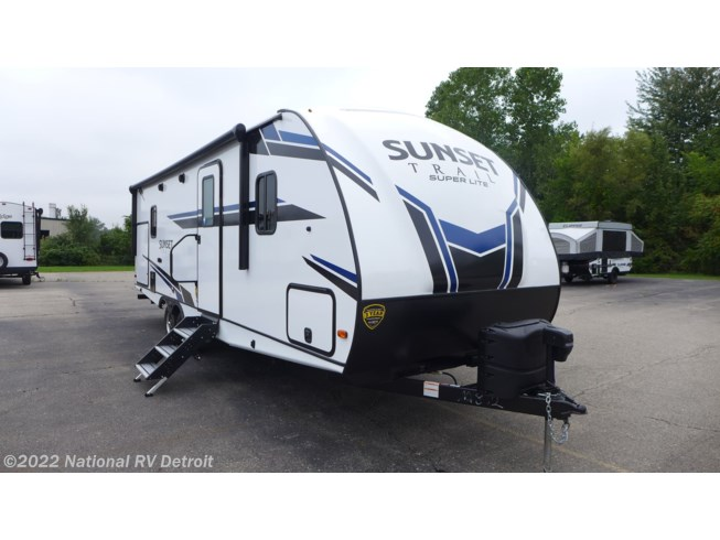 New 2021 CrossRoads Sunset Trail Super Lite 253RB available in Belleville, Michigan