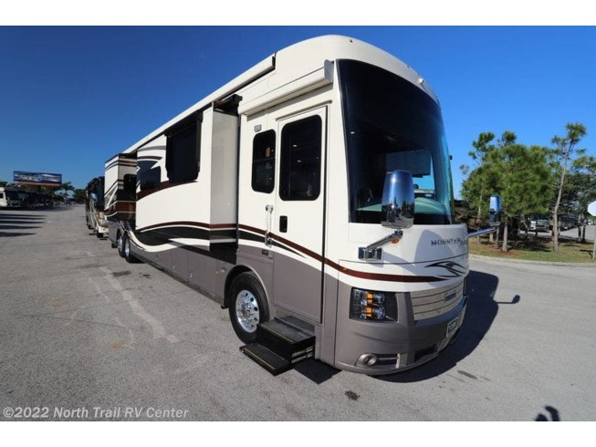 Used 2019 Newmar Mountain Aire available in Fort Myers, Florida