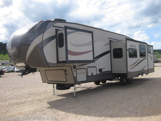 2016 Keystone Sprinter 324FWBHS - Used Fifth Wheel For Sale by Northern Hills Homes and RV's in Whitewood, South Dakota features Air Conditioning, Auxiliary Battery, Awning, Bunk Beds, CD Player, Ceiling Fan, CO Detector, DVD Player, Exterior Grill, Exterior Speakers, External Shower, Fireplace, Ladder, Leveling Jacks, LP Detector, Medicine Cabinet, Microwave, Outside Kitchen, Oven, Queen Bed, Refrigerator, Roof Vents, Shower, Skylight, Slideout, Smoke Detector, Spare Tire Kit, Stove Top Burner, Surround Sound System, Toilet, TV, U-Shaped Dinette, Water Heater