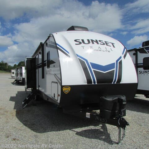 New 2021 CrossRoads Sunset Trail Super Lite 331BH available in Louisville, Tennessee