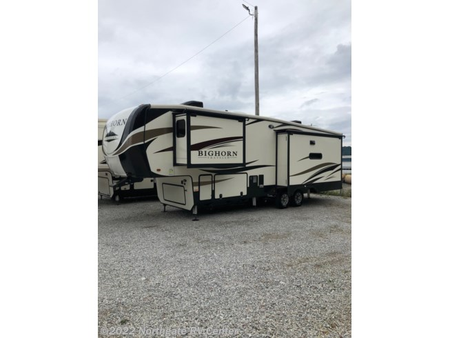 2018 Bighorn Traveler 32RS by Heartland from Northgate RV Center in Ringgold, Georgia