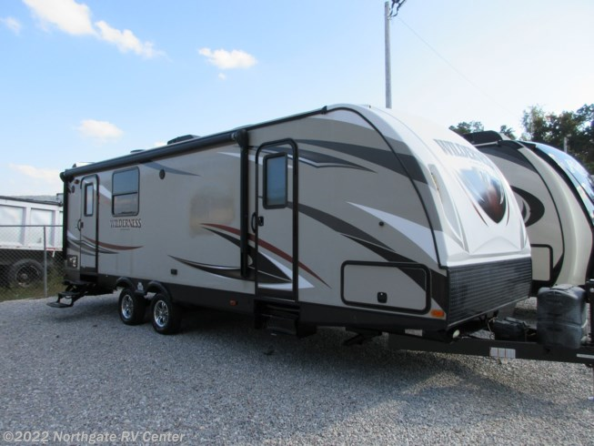 2016 Heartland Wilderness WD 2575RK - Used Travel Trailer For Sale by Northgate RV Center in Ringgold, Georgia features Refrigerator, Awning, TV Antenna, Toilet, Electric Jack