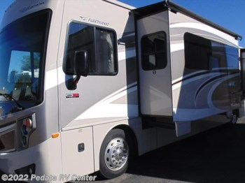 2015 Fleetwood Excursion 35B w/2slds