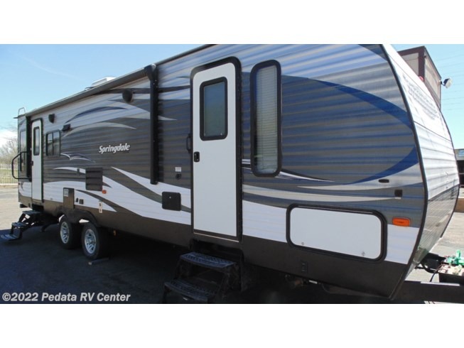 2017 Keystone Springdale 271RLWE - Used Travel Trailer For Sale by Pedata RV Center in Tucson, Arizona features Air Conditioning, Alloy Wheels, AM/FM/CD, Batteries, Battery Charger, CD Player, CO Detector, Converter, Dinette Bed, DVD Player, Exterior Speakers, External Shower, Fire Extinguisher, Furnace, Glass Shower Door, Ladder, LP Detector, Microwave, Non-Smoking Unit, Oven, Pleated Shades, Power Hitch Jack, Power Roof Vent, Propane, Refrigerator, Roof Vent, Screen Door, Skylight, Slideout, Smoke Detector, Sofa Bed, Tinted Windows, Water Heater