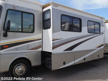 2005 Fleetwood Bounder 34F w/3slds
