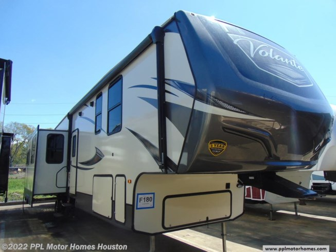Used 2018 CrossRoads Volante 3751BH available in Houston, Texas
