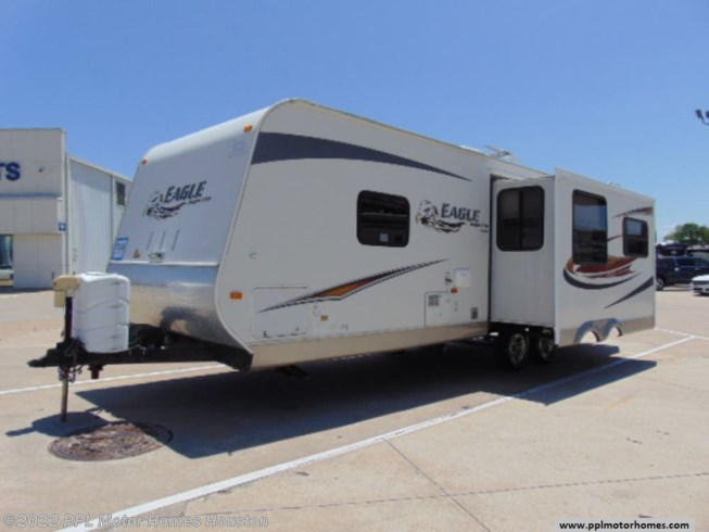 2011 Jayco Eagle Super Lite 298RLS - Used Travel Trailer For Sale by PPL Motor Homes Houston in Houston, Texas features Air Conditioning, DVD Player, Exterior Stereo, External Shower, Microwave, Non-Smoking Unit, Refrigerator, Slideout, Stove, TV, Water Heater