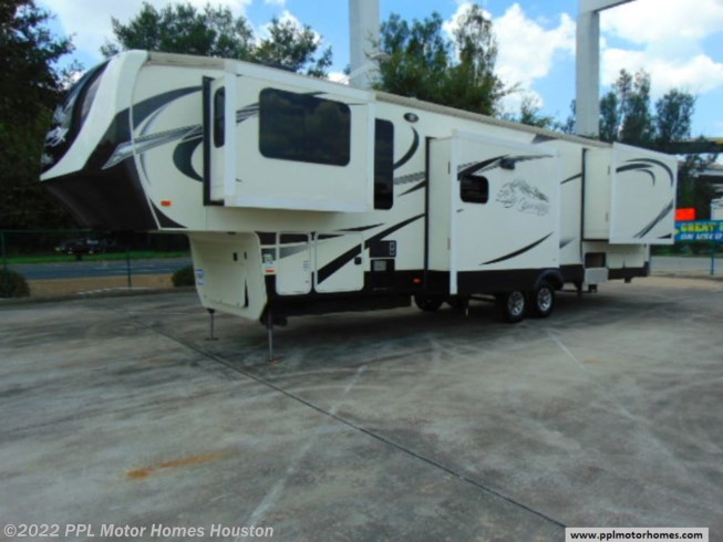 Used 2014 Heartland Big Country 3700FL available in Houston, Texas