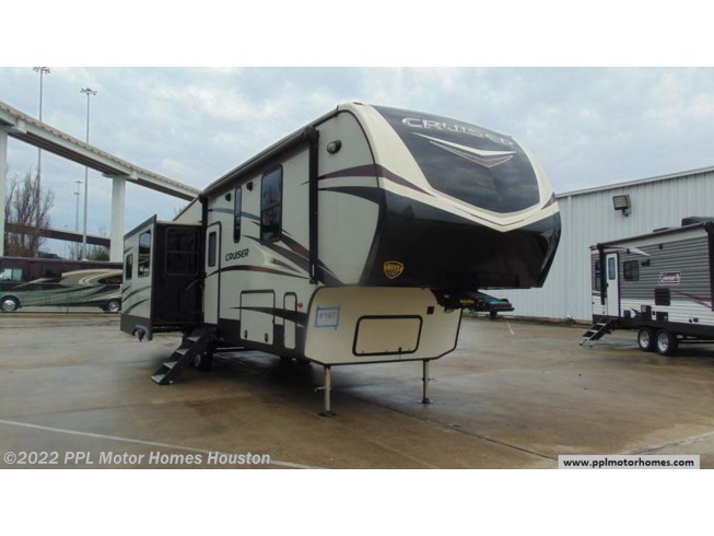Used 2018 CrossRoads Cruiser 3391RL available in Houston, Texas