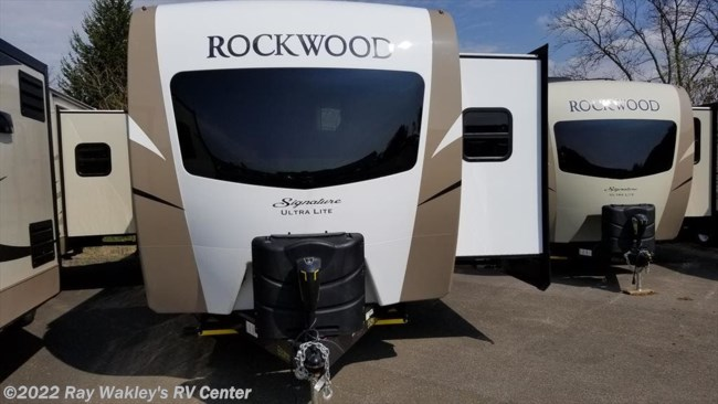 2018 Forest River Rockwood Signature Ultra Lite 8329SS