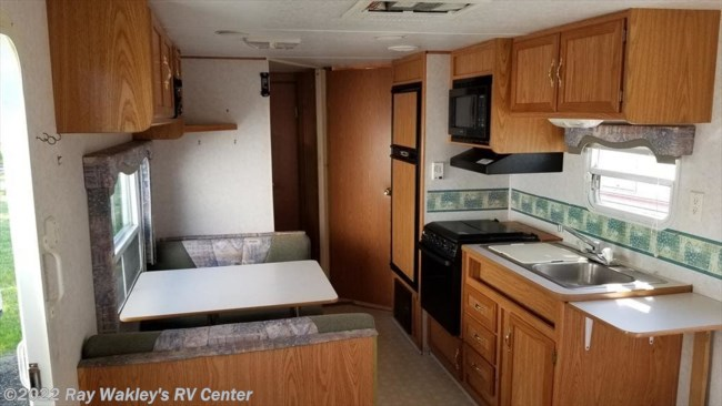 2001 Four Winds 26B Floorplan