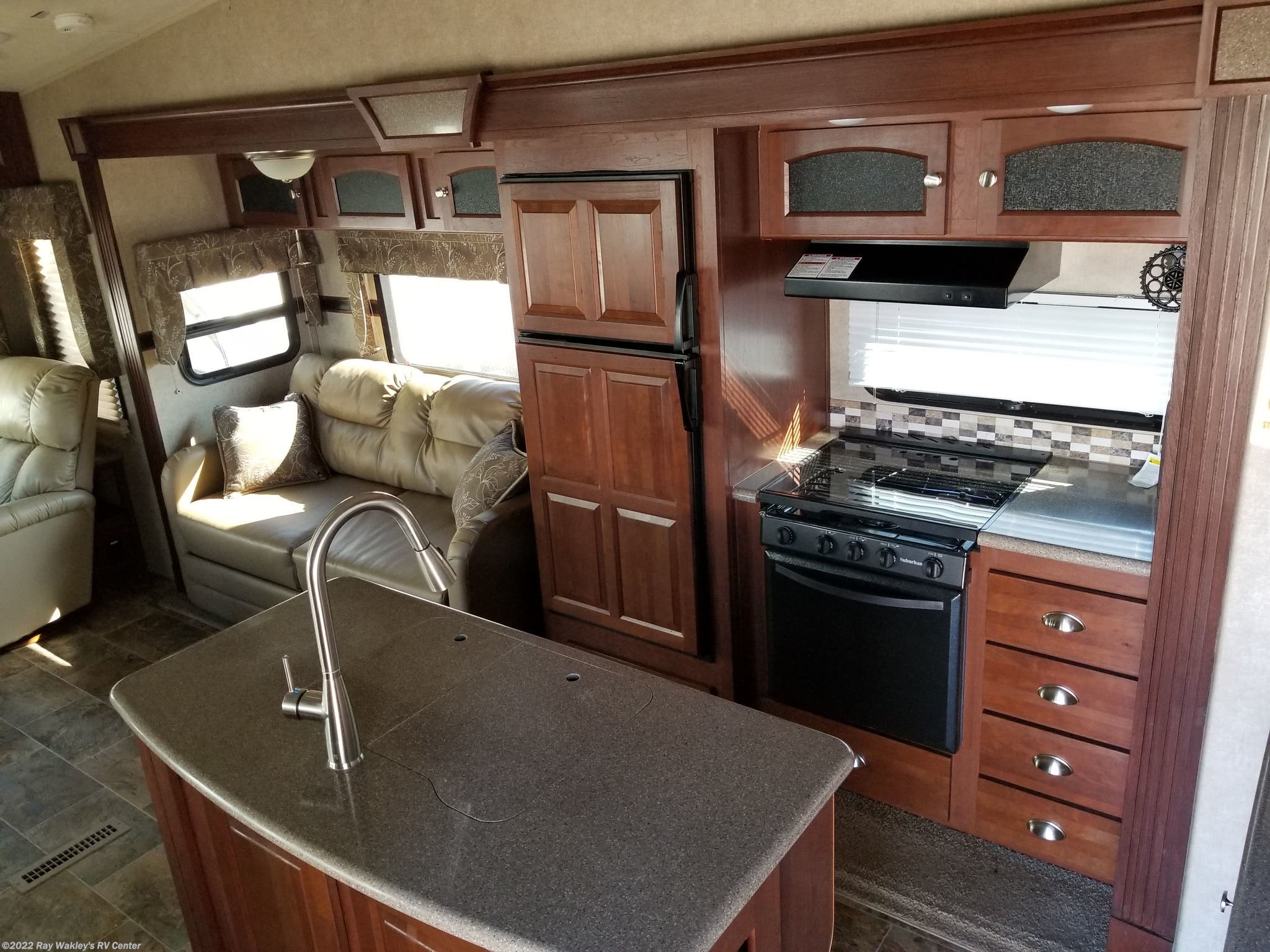 45e38057383 83565A - 2016 Forest River Rockwood Signature Ultra Lite 8289WS for ...