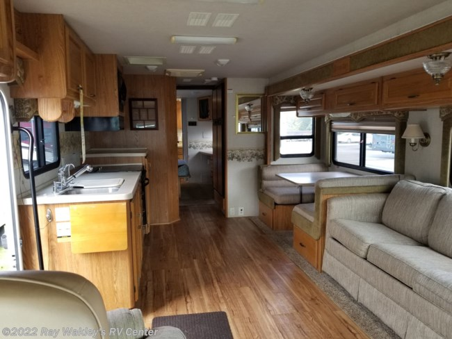 2003 Fleetwood Bounder 35E Floorplan