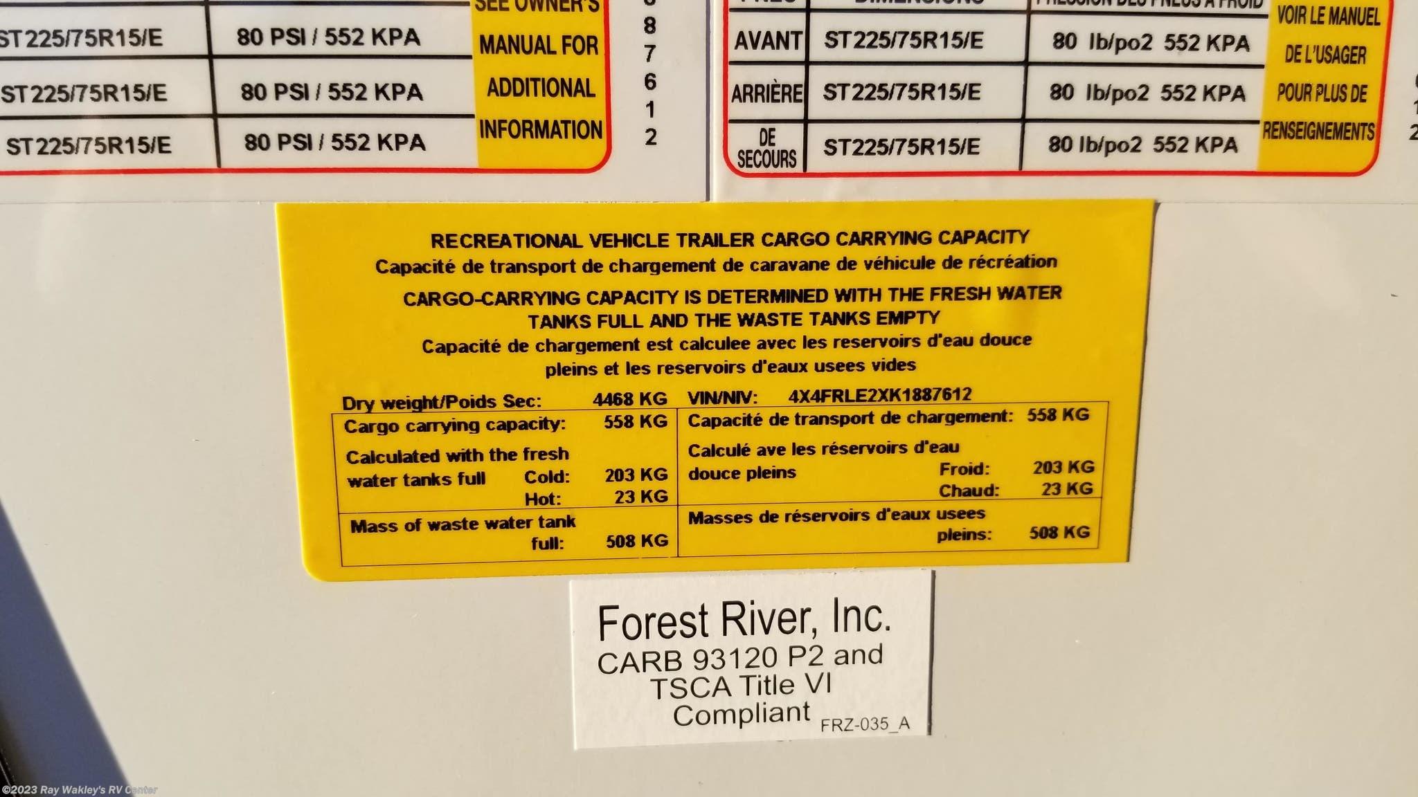 87612 - 2019 Forest River Rockwood Signature Ultra Lite 8290BS for