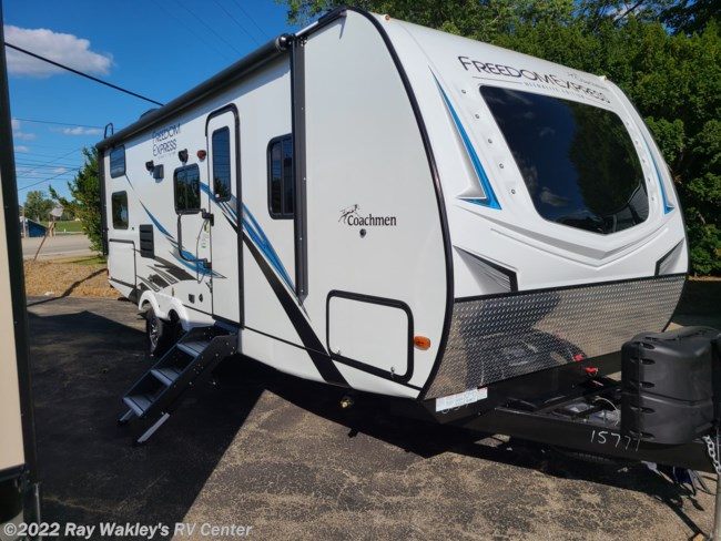 2021 Coachmen Freedom Express Ultra Lite 257BHS