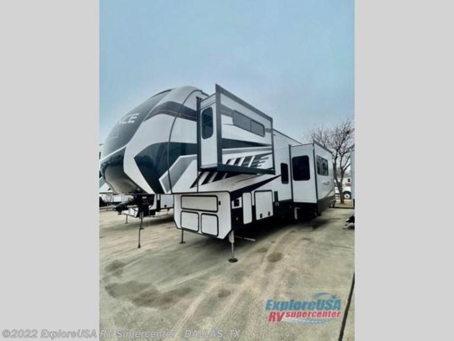 2021 Alliance RV Valor 41V15 - New Toy Hauler For Sale by ExploreUSA RV Supercenter - MESQUITE, TX in Mesquite, Texas features Slideout