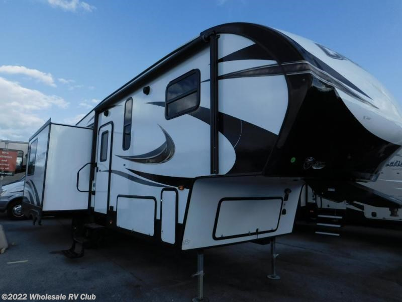2018 Prime Time Fifth Wheel