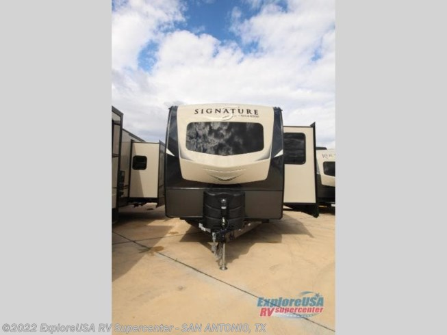 New 2020 Forest River Rockwood Signature Ultra Lite 8335SB available in San Antonio, Texas