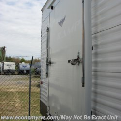 2009 Keystone Hideout 30SRS  - Travel Trailer Used  in Mechanicsville MD For Sale by Economy RVS, LLC call 877-233-6834 today for more info.