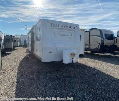 Used 2011 Forest River Rockwood Signature Ultra Lite 8296SS For Sale by Economy RVS, LLC available in Mechanicsville, Maryland