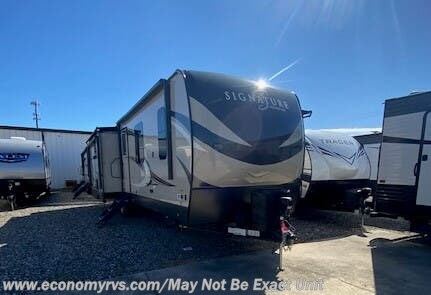 New 2020 Forest River Rockwood Signature Ultra Lite 8328SB available in Mechanicsville, Maryland