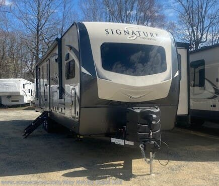 New 2020 Forest River Rockwood Signature Ultra Lite 8335SB For Sale by Economy RVS, LLC available in Mechanicsville, Maryland