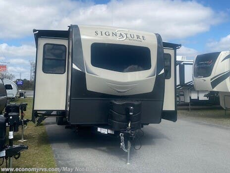 New 2021 Forest River Rockwood Signature Ultra Lite 8324SB For Sale by Economy RVS, LLC available in Mechanicsville, Maryland