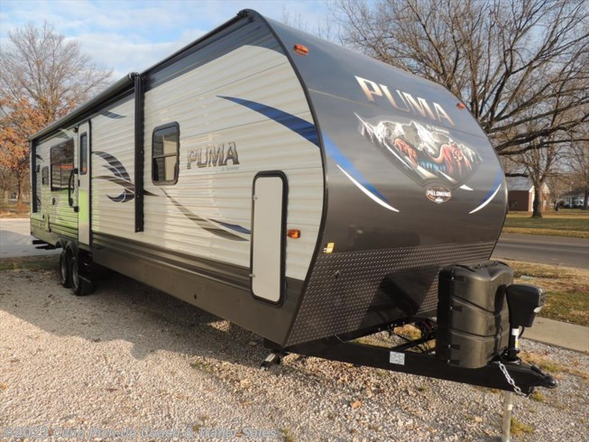 2018 32' Puma Travel Trailer
