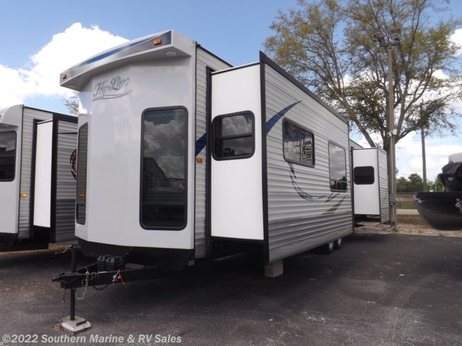New 2019 Hy-Line 395 FE available in Ft. Myers, Florida