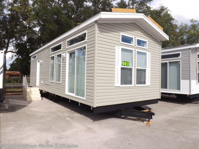 New 2020 Chariot Eagle Lake Charles 13361A available in Ft. Myers, Florida