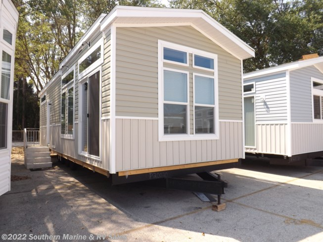 New 2020 Chariot Eagle Lake Charles 13361B available in Ft. Myers, Florida